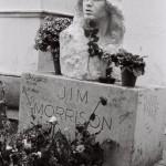 Buste de Jim MorrisonPère Lachaise, Paris avril 1982
